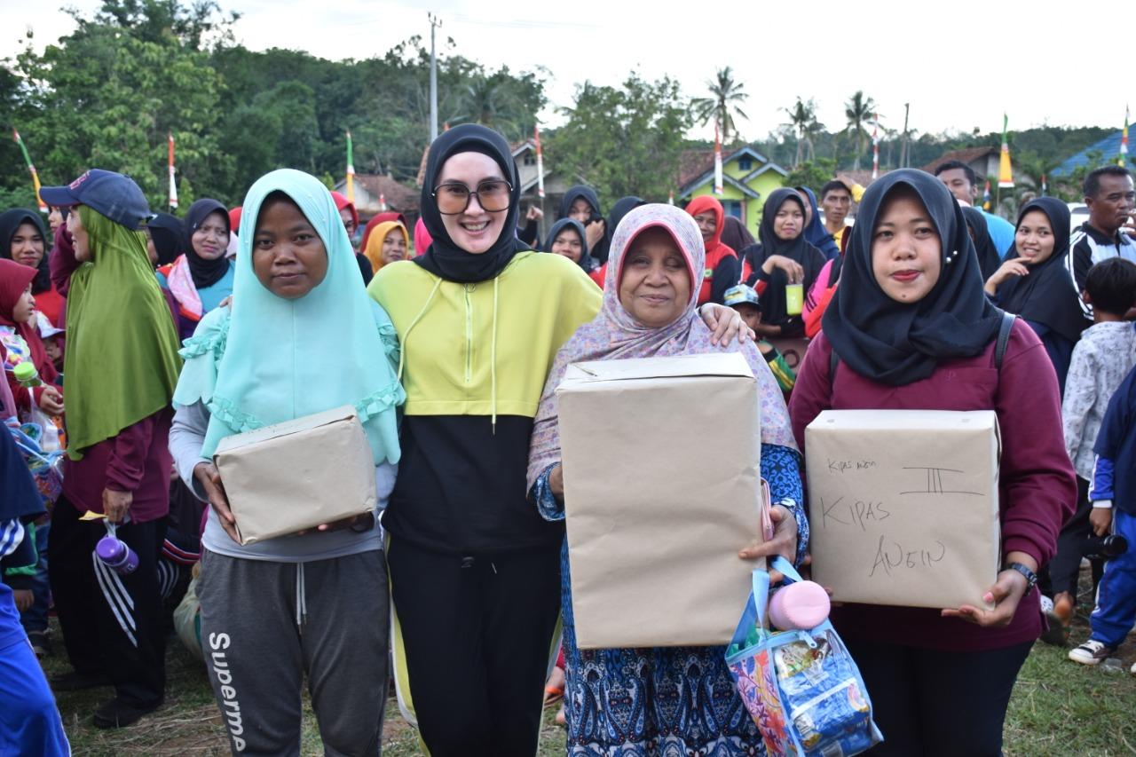 Senam Sehat Bersama Dessy Afriyanti Adipati Di Kampung Bratayuda Kecamatan Blambangan Umpu