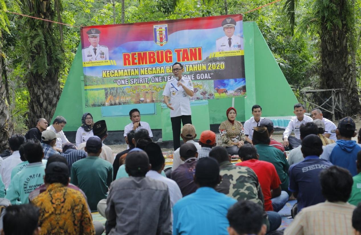 """""""H. Raden Adipati Surya S.H.,M.M"""" Rembuk Bersama Petani Kampung Sari Jaya Dan Resmikan Irigasi Air Tanah Dangkal"""