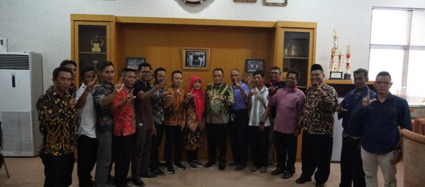 Silaturahmi Dengan Plt Bupati, Masyarakat Pulau Sebesi Sampaikan Program Wisata Pancing